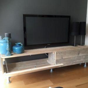wooden pallet media stand