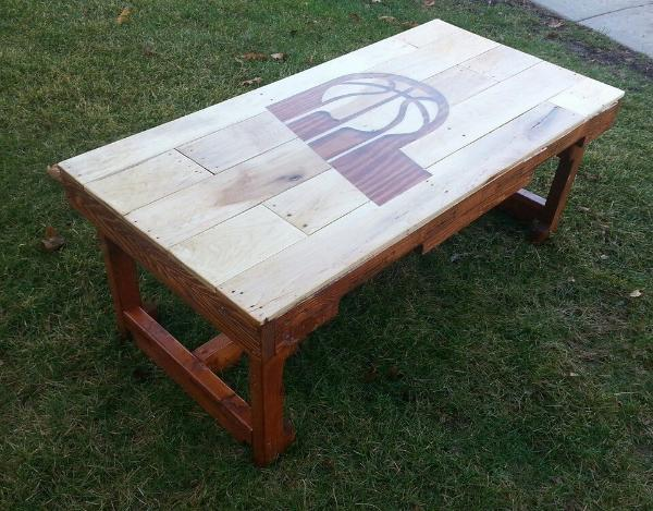 no-cost wooden pallet personalized coffee table