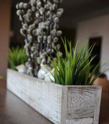 distressed white pallet planter