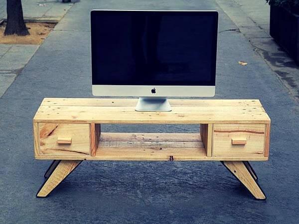 mid century inspired pallet tv cabinet 101 pallets. Black Bedroom Furniture Sets. Home Design Ideas