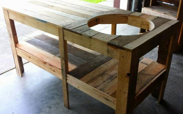 Pallet Outdoor Grill Table