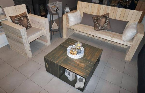 pallet bistro style seating set