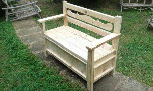 Pallet Bench with Folding Berth