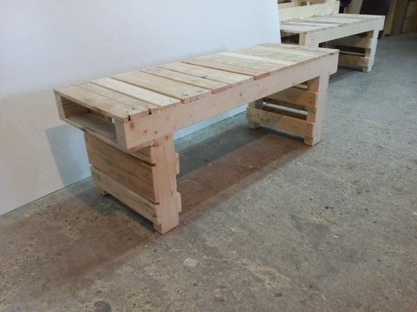 Old pallet wood bench 101 pallets for Building a bench from pallets