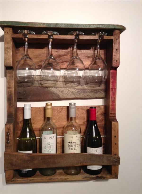 diy Pallet beverage and glass rack