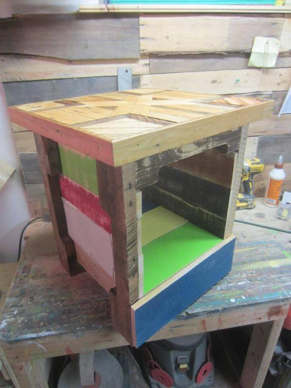 pallet side table with textured top