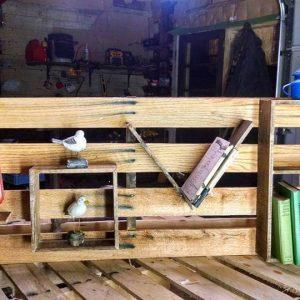 Wooden pallet love shelf