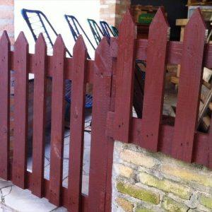 pallet outdoor gate