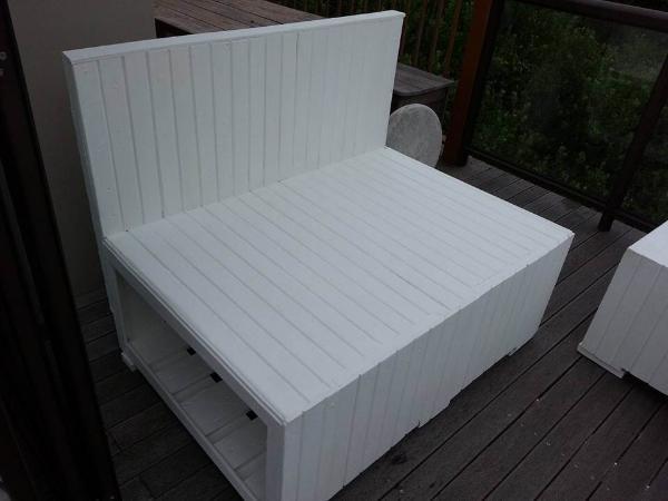 handmade wooden pallet 2 seater