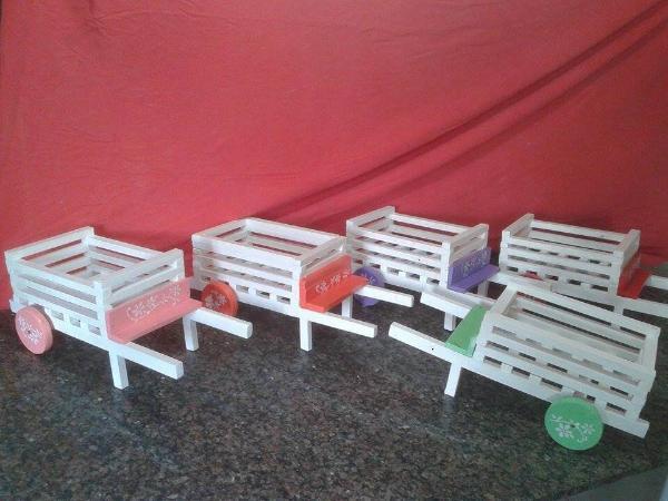 handmade pallet wheelbarrows