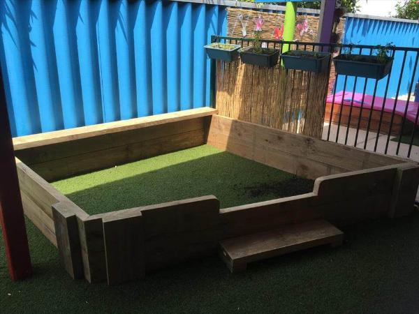 low-cost pallet sandbox