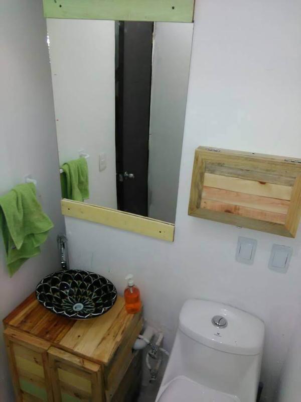 wooden pallet vanity furniture