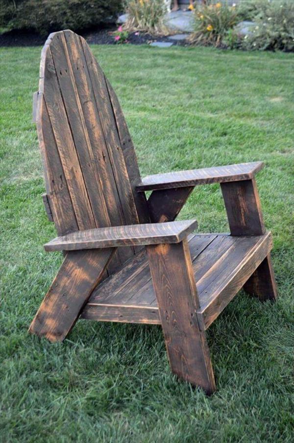 ultra-rustic pallet Adirondack chair