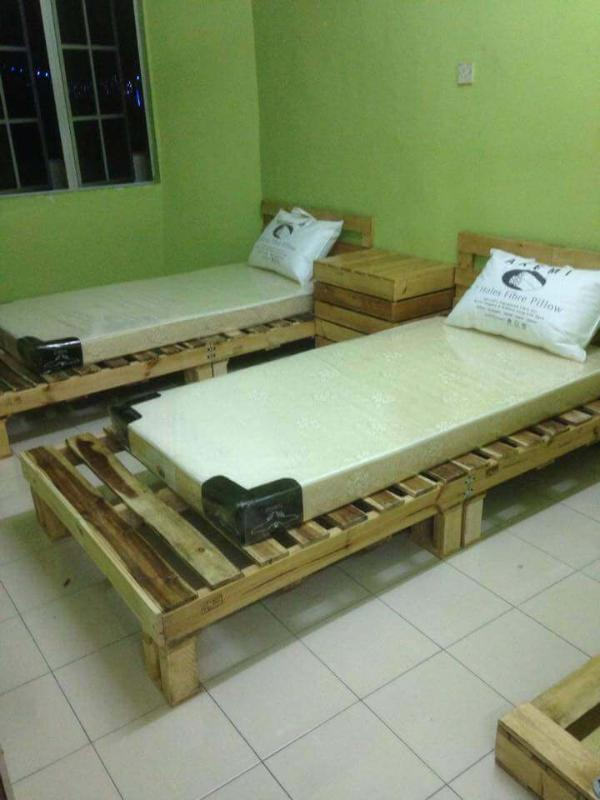 mini pallet wood beds