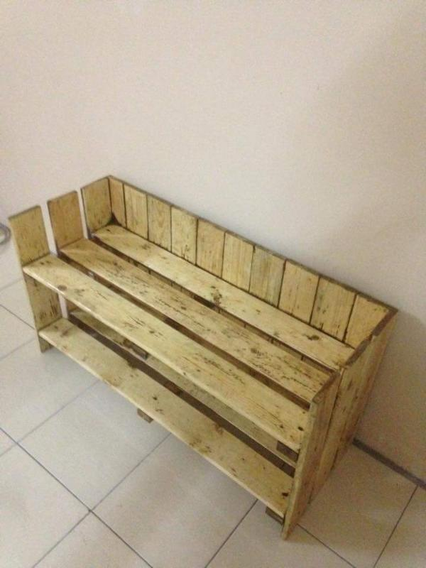 diy pallet mudroom bench with shoes rack