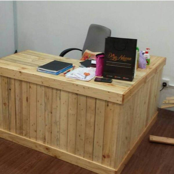 handcrafted pallet wood office desk
