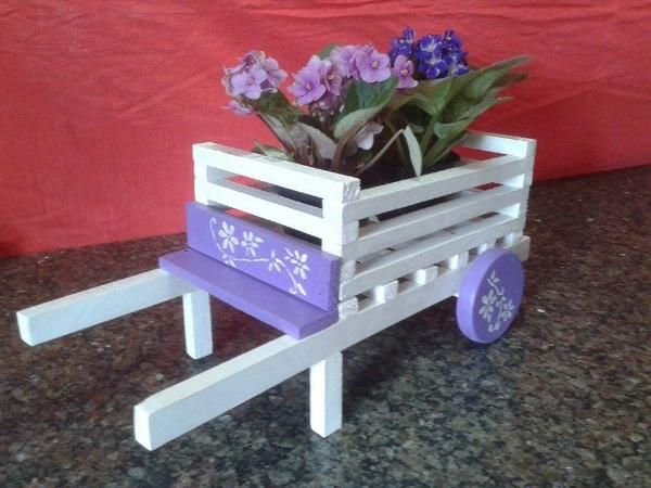 diy pallet wheelbarrow planter