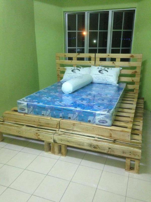 sturdy pallet wood bed