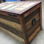 low-cost wooden pallet storage chest