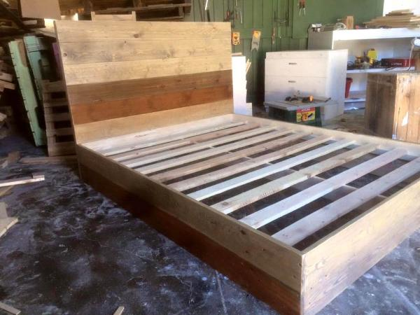Recycled Pallets Bed 101 Pallets