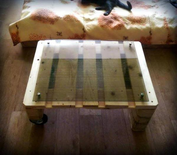 custom pallet coffee table with wheels and glass top
