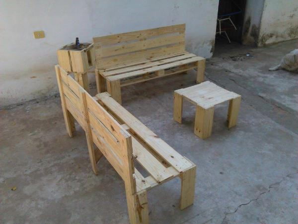 upcycled pallet sitting set