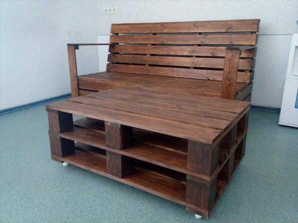 Wooden pallet seating set