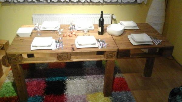 Repurposed pallet dining set