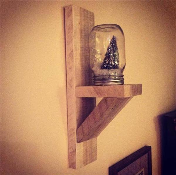 diy pallet candle sconce
