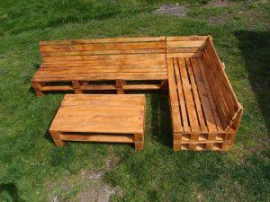 Pallet Sectional Sofa with Coffee Table
