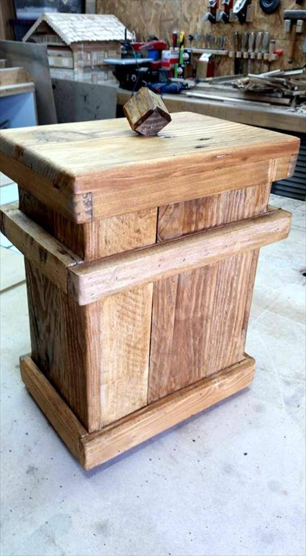 Wooden Pallet Trash Can