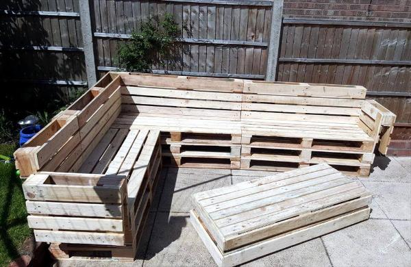 pallet corner sofa with coffee table