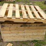 Recycled pallet dog house