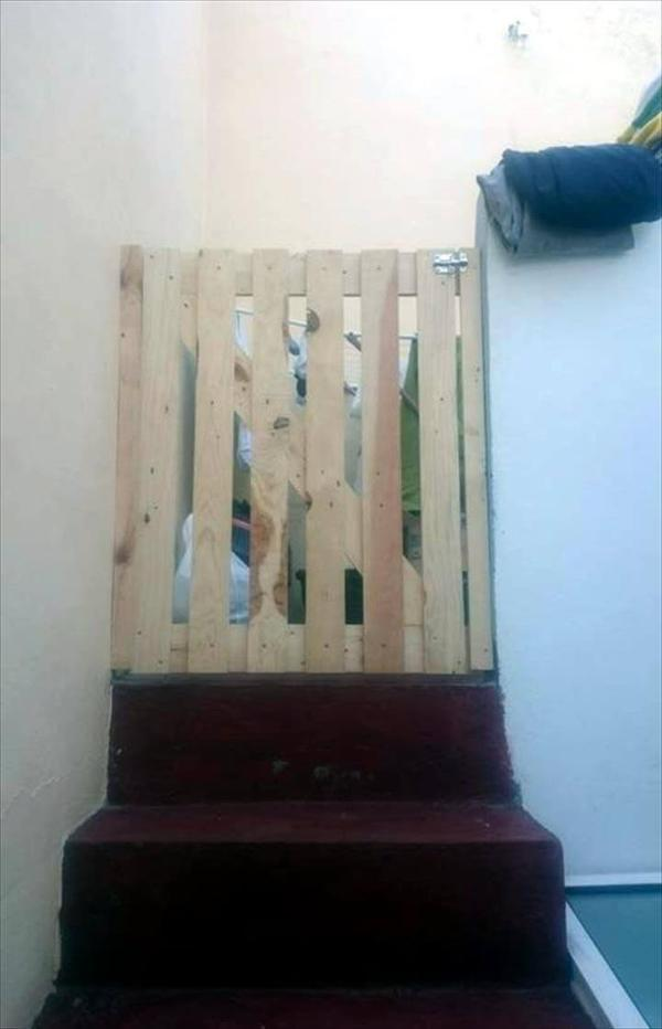Recycled pallet gate