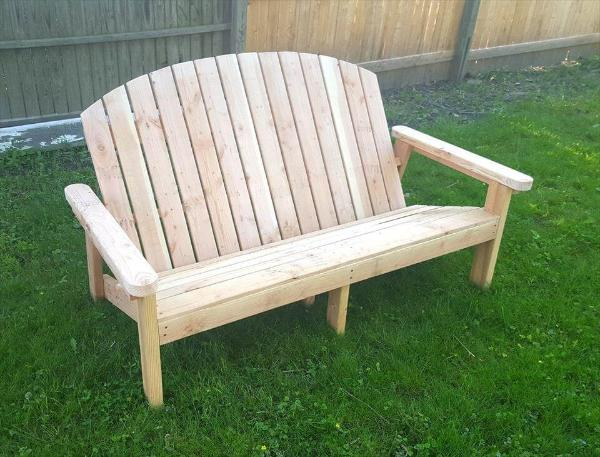 reclaimed pallet Adirondack bench
