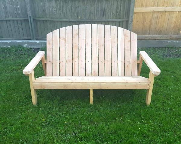 repurposed pallet Adirondack style bench