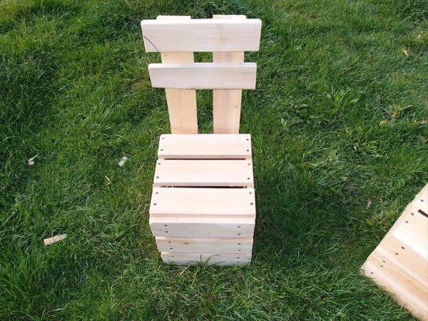 pallet garden chair set