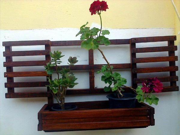no-cost pallet small window planter
