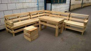 DIY Pallet Patio or Outdoor Furniture Set