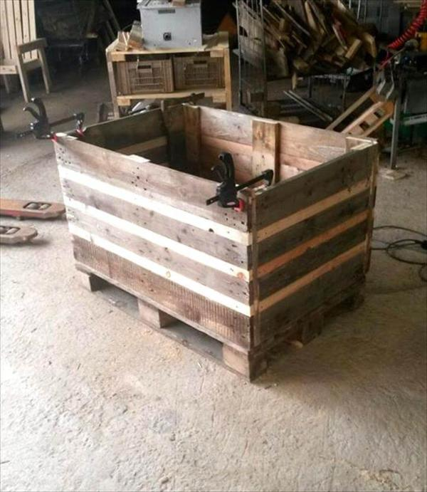 upcycled wooden pallet chest