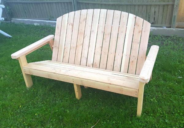 diy pallet Adirondack bench