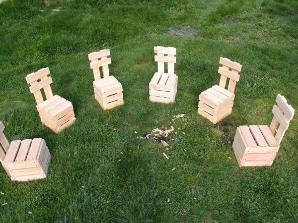 no-cost pallet garden or fire-pit chair set