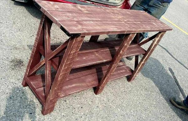 repurposed wooden pallet console