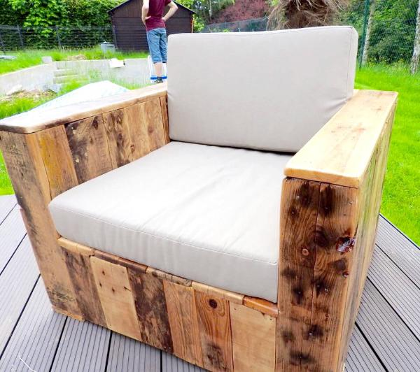 how to build a patio set out of pallets