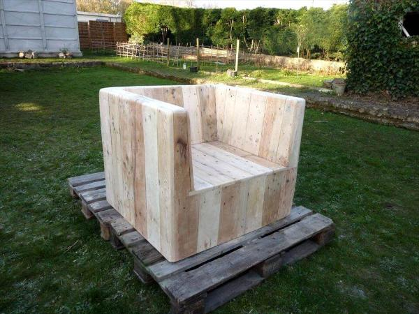 block style sturdy pallet chair