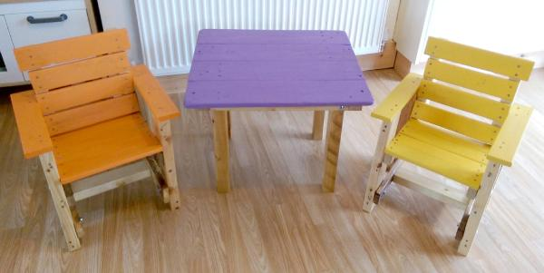 wooden pallet kids chair and table set