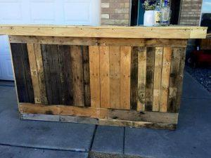 DIY Pallet Outdoor Bar