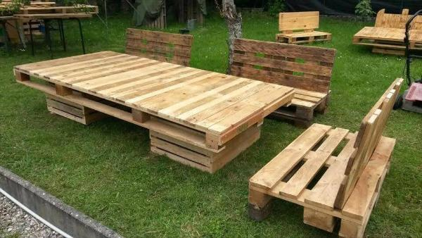 upcycled wooden pallet spacious lounge sitting set