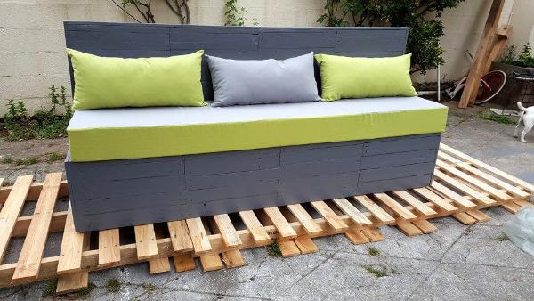 upcycled wooden pallet painted 3 seater