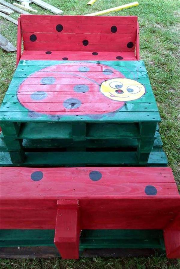 Gorgeous pallet bench seat set
